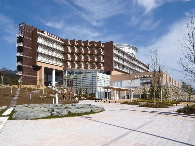 外観写真 恵まれた療養環境のもと、橋本医療圏の中核病院として、また 将来の医療需... ゆめ病院